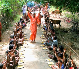 iskcon-food-distribution-300x261